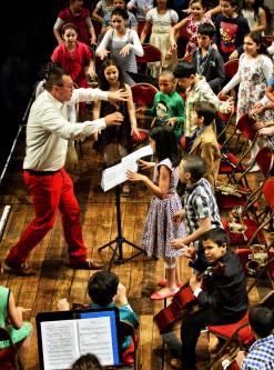 concert van schoolkinderen in zaal Roma met deFilharmonie